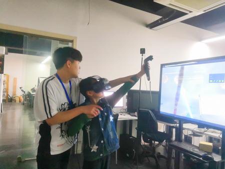 VR后羿射日_调整大小.jpg